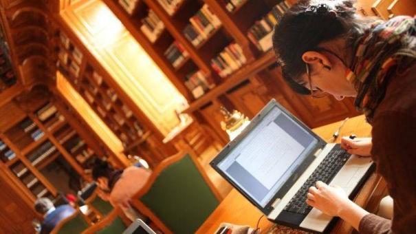 Studiază online și gratuit. 200 de universități de pe Glob au lansat 600 de cursuri online gratuite