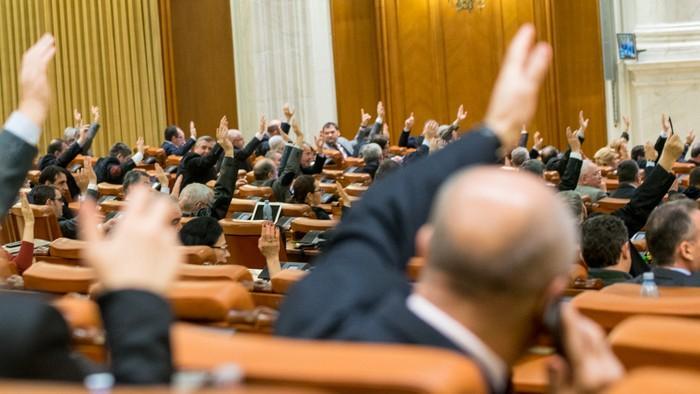 Vrei să înțelegi importanța Legislativului? Vino la o simulare a procesului decizional la Parlamentul tinerilor