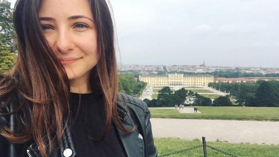 (foto) Universitatea #diez. Despre cum să nu stai la ore pe scaun și alte metode interesante de predare ale profesorilor Gabrielei Petrov din Viena