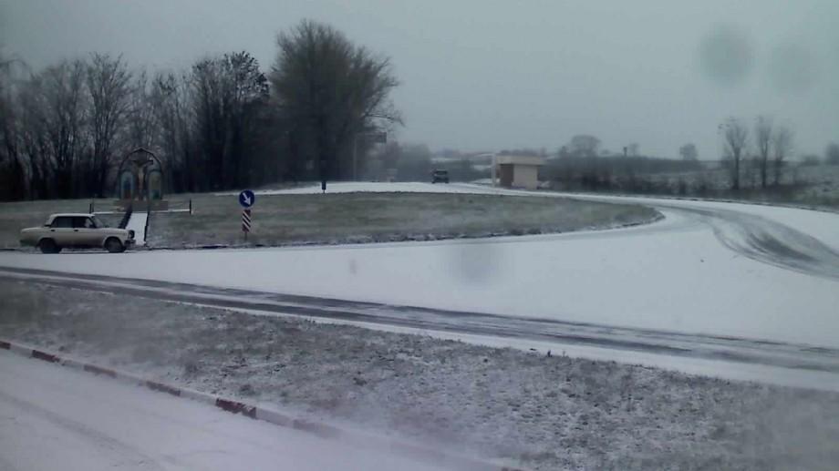 La noapte ar putea să ningă din nou la nordul țării. Ce prognoze au făcut meteorologii pentru următoarele zile