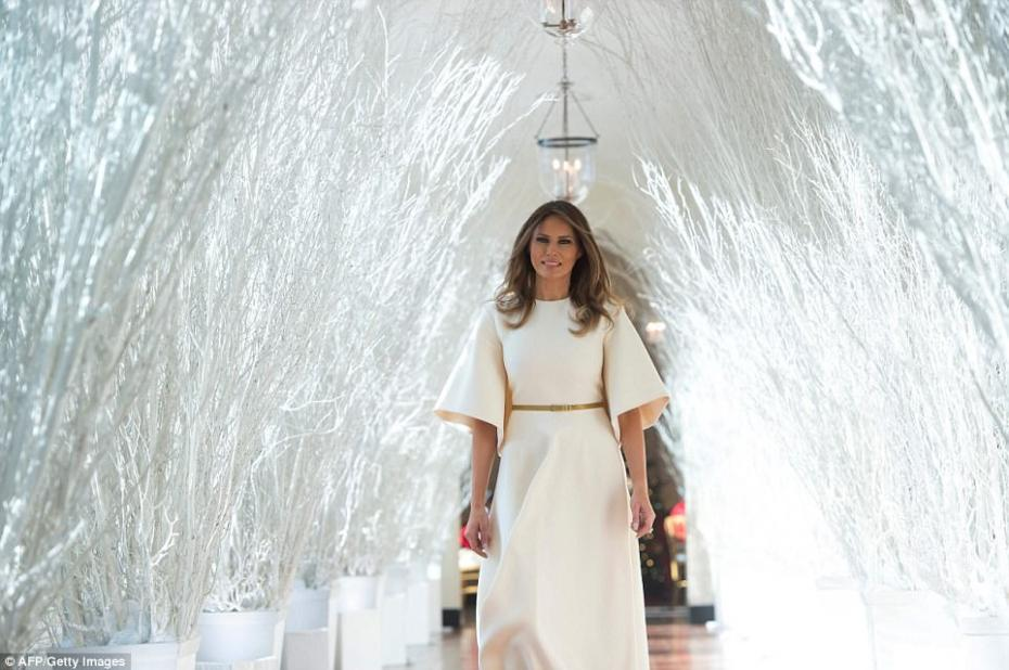46BD637E00000578-5121597-First_lady_Melania_Trump_was_told_by_one_of_her_young_guests_tha-a-41_1511803146899
