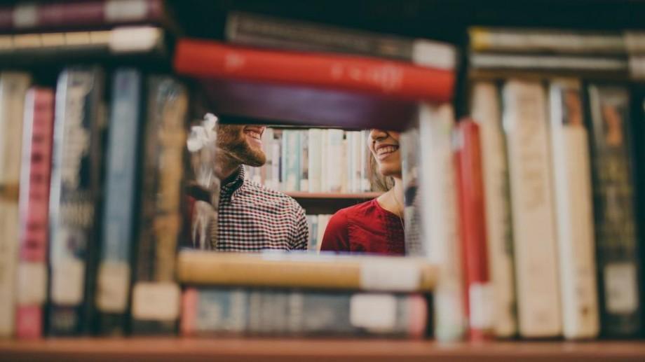 Ce citesc autorii: Iată cele mai bune zece cărți selectate de 125 de scriitori faimoși