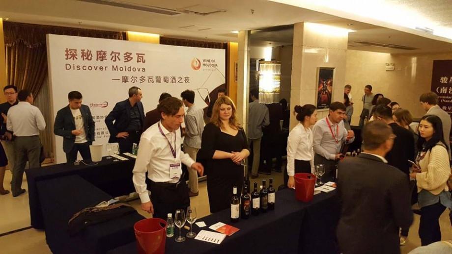 (galerie foto) Vinul moldovenesc a ajuns in China. Cum s-a prezentat în fața sutelor de oaspeți chinezi