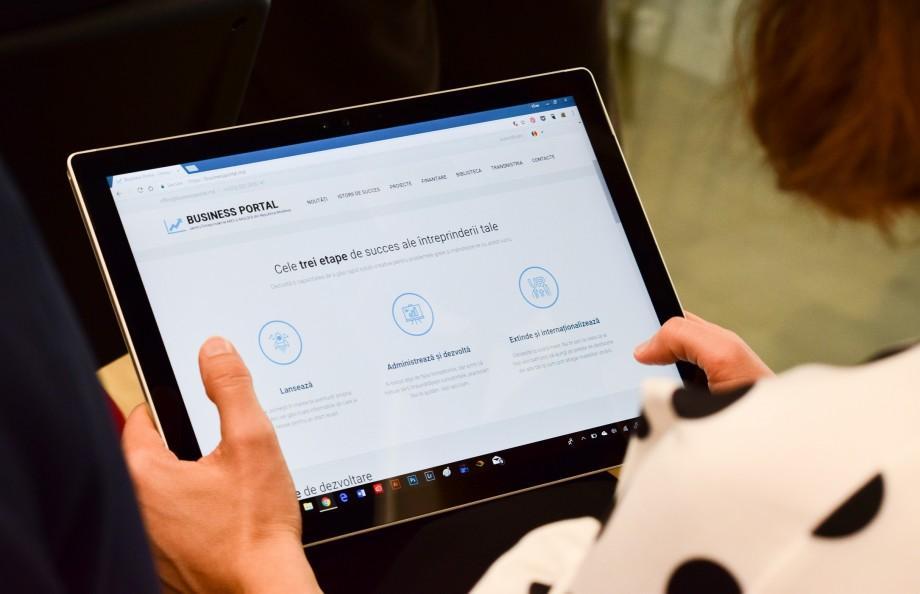 A fost lansat un nou portal de susținere pentru antreprenori. Ce spun tinerii despre această oportunitate