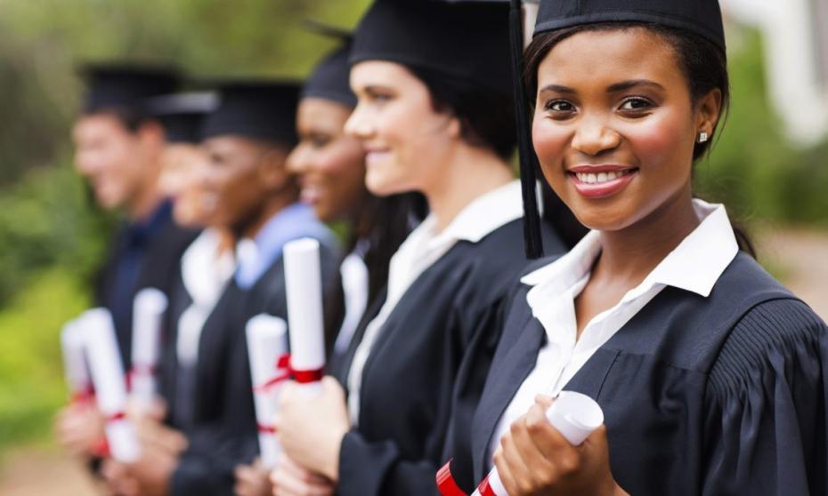 Vrei să faci studii în America? Află unde și cum poți depune dosarul