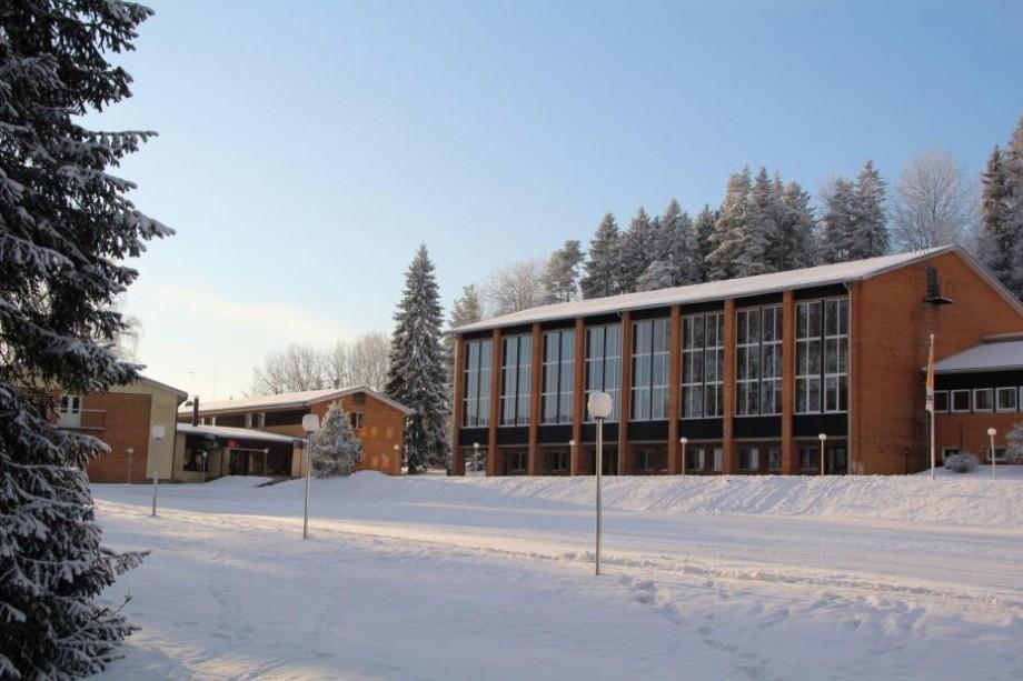 Studenții interesați de relații internaționale și științe politice pot participa la o școală de iarnă în Estonia