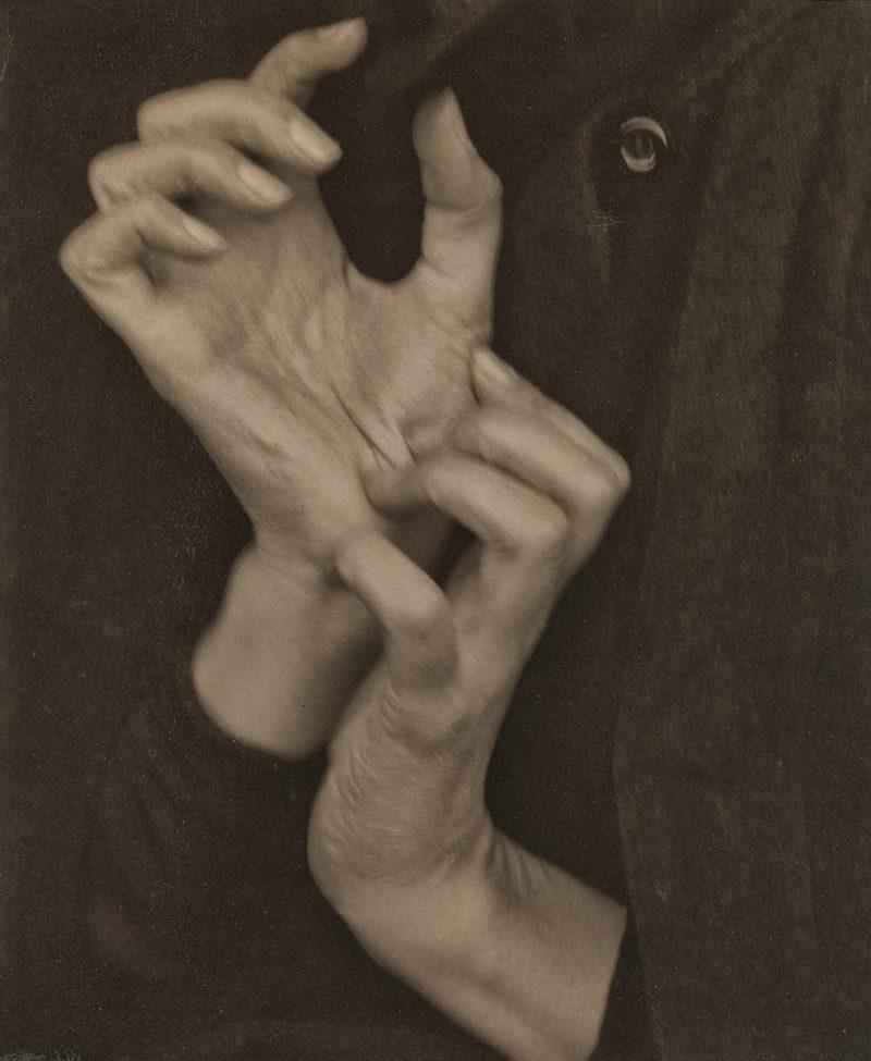 OKeeffe-Hands-800x975