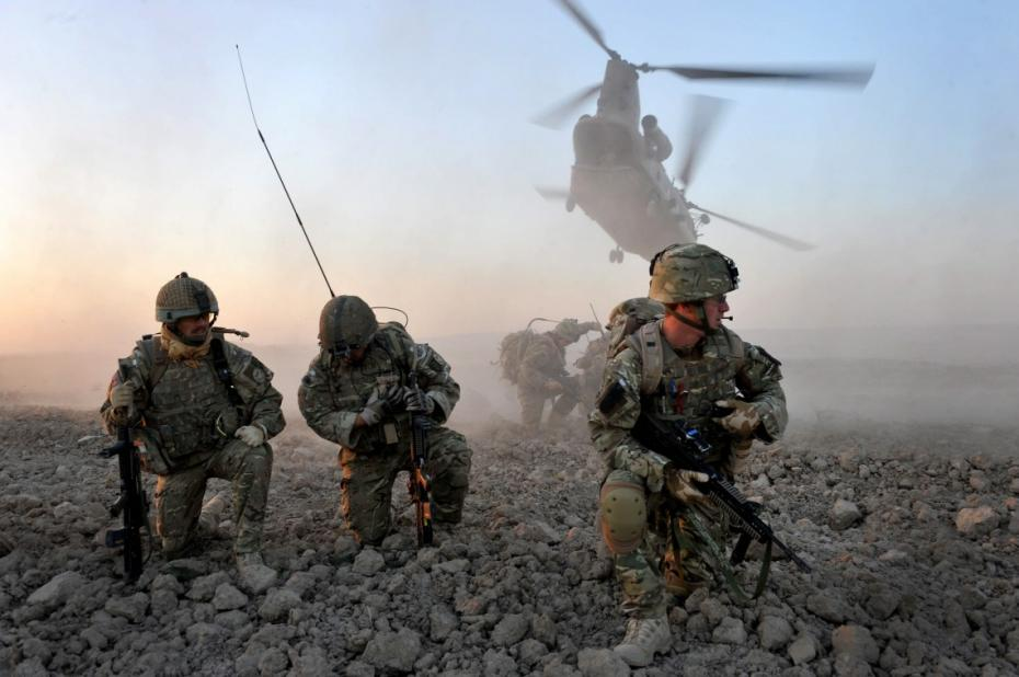 Afganistan: Atac sinucigaș cu bombă împotriva unui convoi NATO în provincia Kandahar