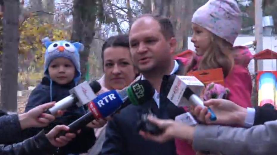 """Președintele Fracțiunii PSRM în Consiliul Municipal Chișinău, Ion Ceban, a votat: """"Este decizia cetățenilor dacă votează sau nu"""""""