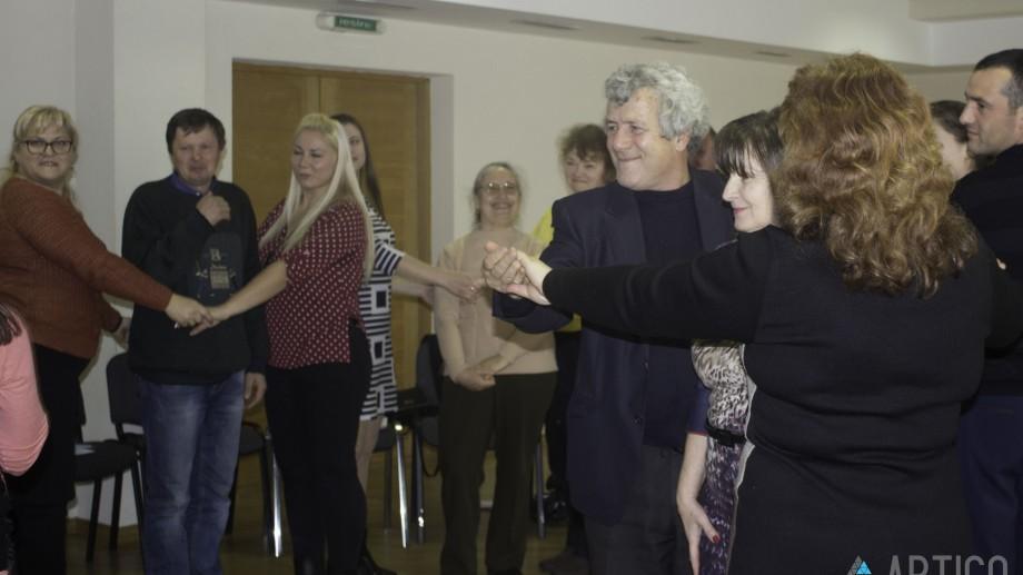 """""""Teatru Forum"""". Coordonatorii de voluntari și profesorii caselor de creație vor învăța strategia de incluziune socială"""