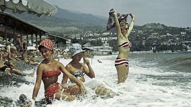 (galerie foto) Imagini din epoca de aur: cum se distrau oamenii din URSS în anii '70 şi '80