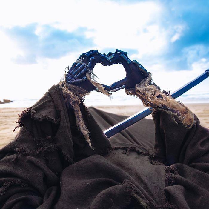grim-reaper-beach-instagram-photos-swimreaper-13-59f6e97e86e8c__700