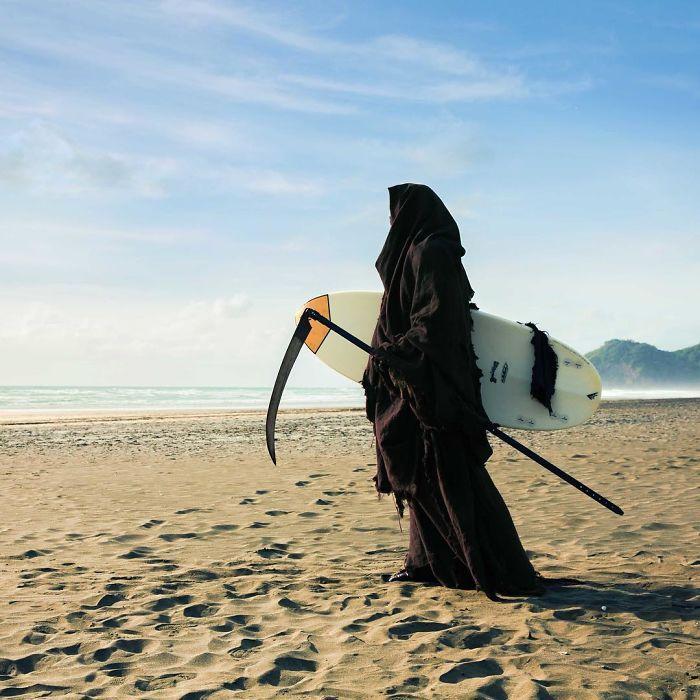 grim-reaper-beach-instagram-photos-swimreaper-19-59f6e98f8a94f__700