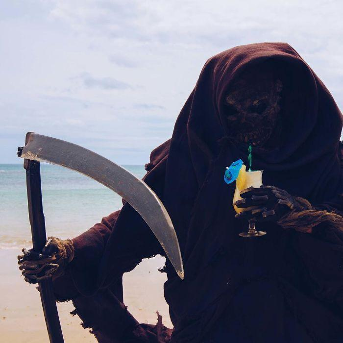 grim-reaper-beach-instagram-photos-swimreaper-24-59f6e99ba211c__700