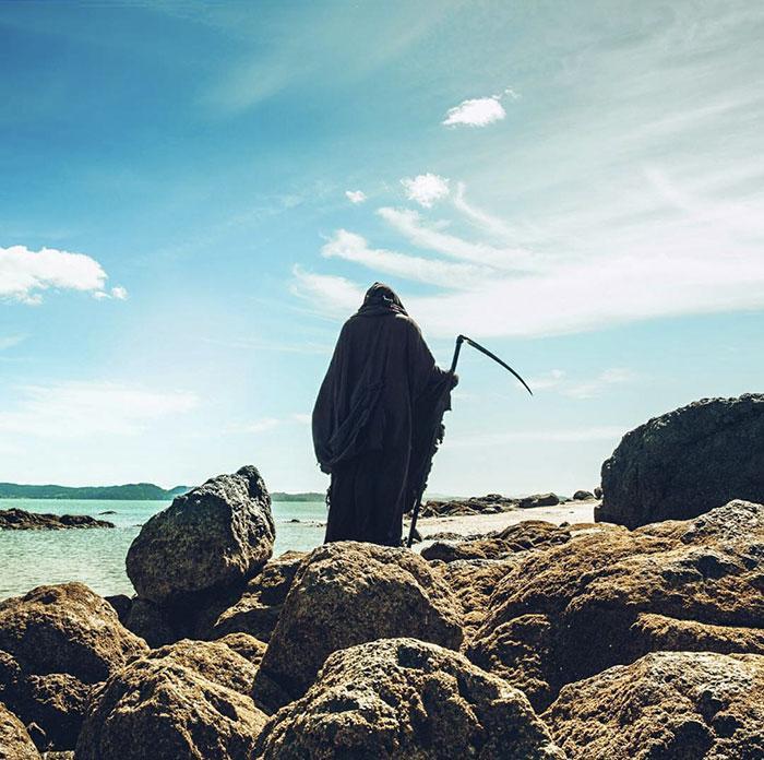 grim-reaper-beach-instagram-photos-swimreaper-4-59f6eaa1a1ce1__700