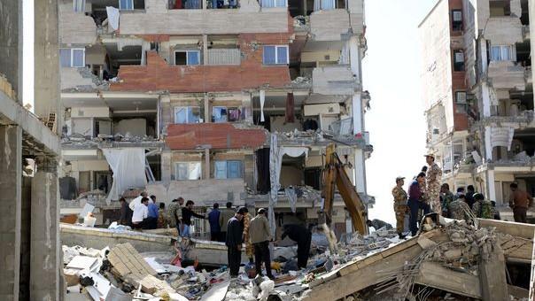 (foto) Peste 400 de morţi şi 7.000 de răniţi. La granița dintre Iran şi Irak a fost înregistrat un cutremur de 7,3 grade