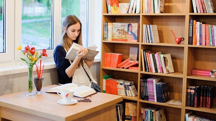 Librăria Bestseller anunță reduceri de 70% la 1000 de cărți de Black Friday