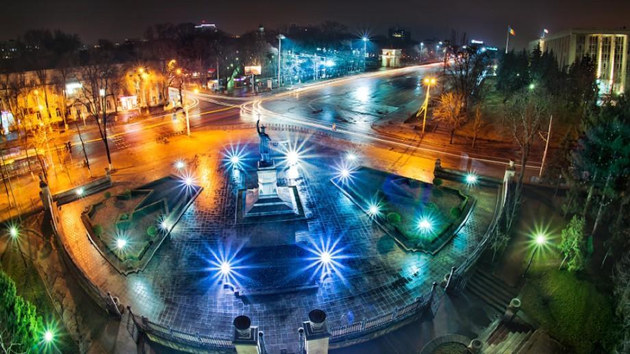 Arhitecții și designerii își pot depune proiectele de transformare a Chișinăului într-un oraș al luminilor. Cele mai bune vor fi premiate