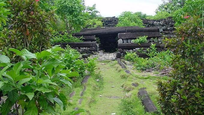 """(foto) Nan Madol, """"oraşul fantomă"""", nelocuit noaptea și în care este aproape imposibil să ajungi. Ar fi fost construit în secolulI sau II"""