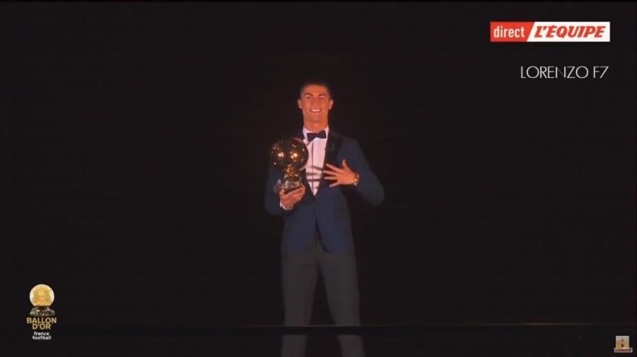 (foto) Cristiano Ronaldo a câștigat a cincea oară Balonul de Aur
