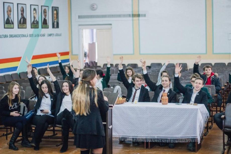 Faci parte din Consiliul elevilor? Participă la un concurs și contribuie la dezvoltarea educației în școala ta