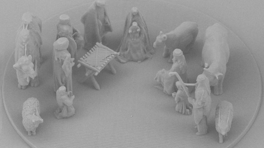 """(foto, video) Papa de la Roma a primit în dar scena """"Nașterea Domnului"""" microscopică. #NanoJesus are dimensiuni mai mici decât o celulă umană"""