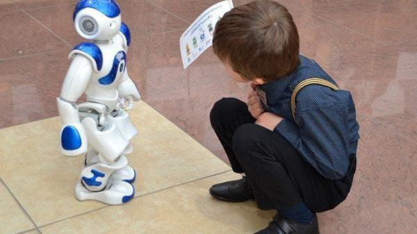 """Învățare prin metode interactive și moderne. """"Clasa viitorului"""" a ajuns în 11 instituții de învățământ din Moldova"""