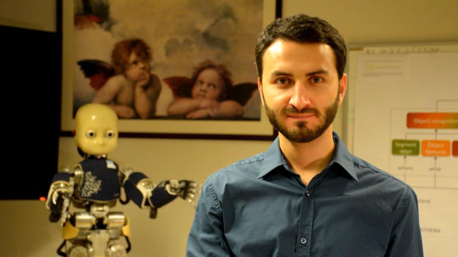 (foto) Ce spune despre comunitatea MentorME un tânăr din Moldova care este cercetător științific în domeniul inteligenței artificiale la Lisabona