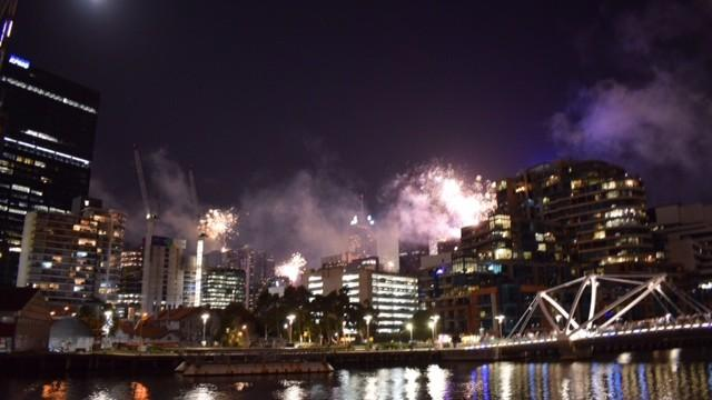 (foto) Cum s-au văzut artificiile din Melbourne, Australia prin obiectivul unei moldovence