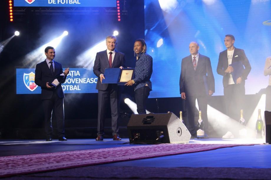 (foto) Cine sunt câștigătorii din acest an la Gala Laureaților Fotbalului Moldovenesc