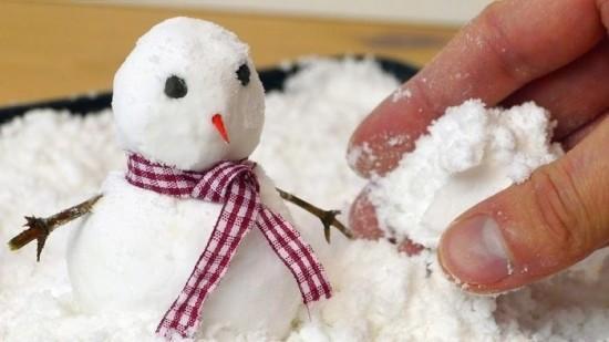 (video) Cum să faci zăpadă artificială cu două ingrediente pe care le ai în casă