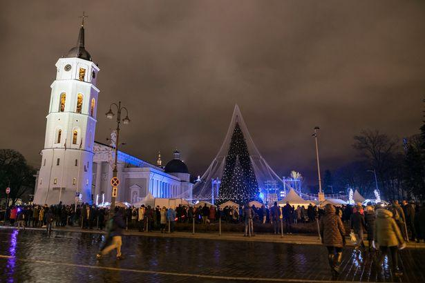 One-of-Europes-brightest-Christmas-trees-lights-up-in-Vilnius-LithuaniaThe-Lithuanian-capital (2)