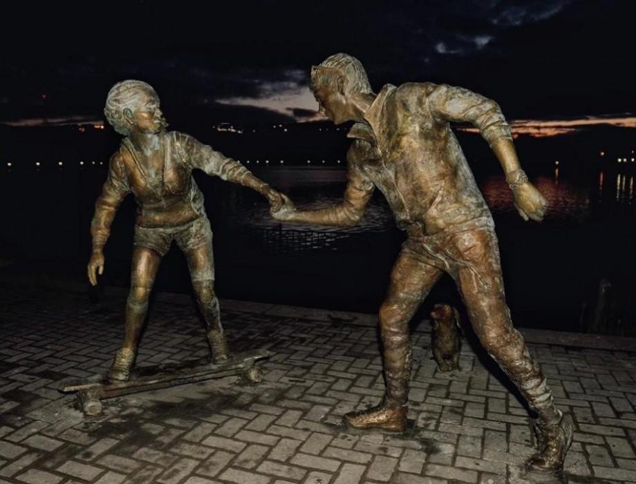 """Sculpturi inspirate din fapte reale. O nouă lucrare din cadrul proiectului """"Sculpturi care te privesc în ochi"""""""