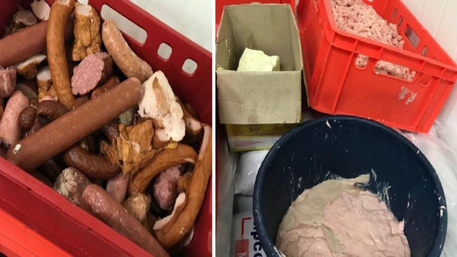 (foto) În ce condiții sunt păstrate produsele din depozitul unui producător de mezeluri