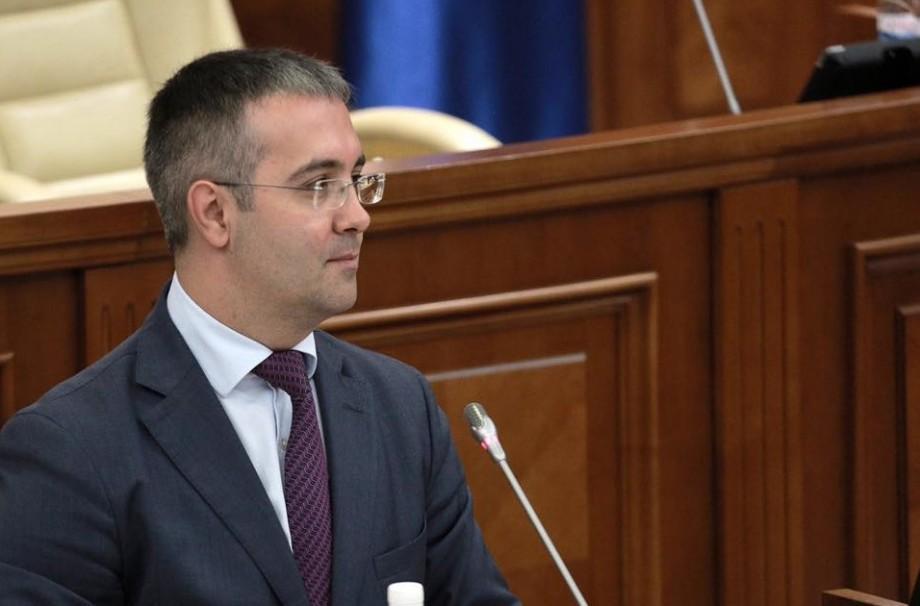 """Noi prevederi în Legea Audiovizualului pentru """"asigurarea securității naționale"""". Argumentele lui Sergiu Sîrbu"""