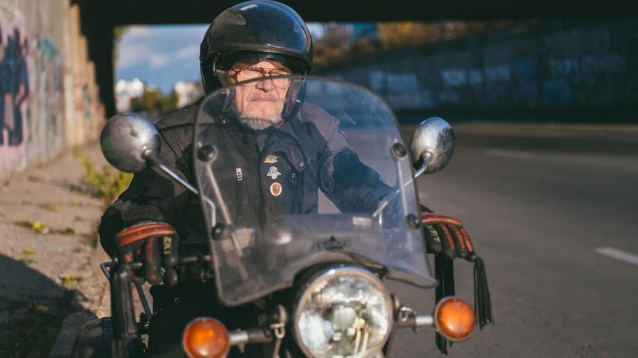 """(foto) 60plus.md: Căile unui motociclist în etate – Slava sau cum i se mai spune """"Ded"""""""