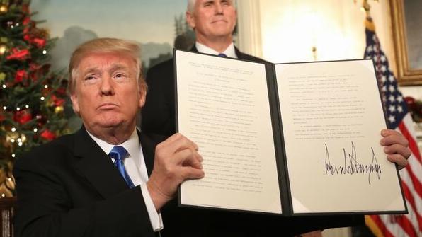 """SUA recunosc orașul Ierusalim drept capitală a Israelului. Donald Trump: """"E timpul să recunoaștem oficial"""""""