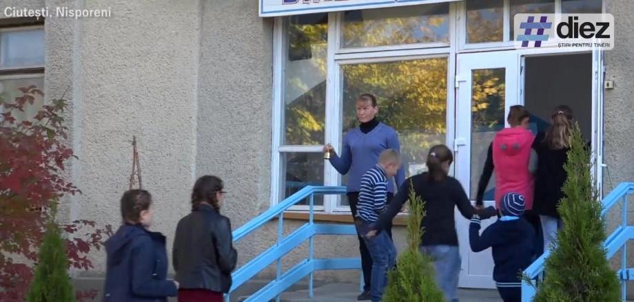 (reportaj video) Criza națională de profesori. Moldova dezvoltă sărăcie cronică și singurătate, iar nenumăratele lipsuri alungă oameni