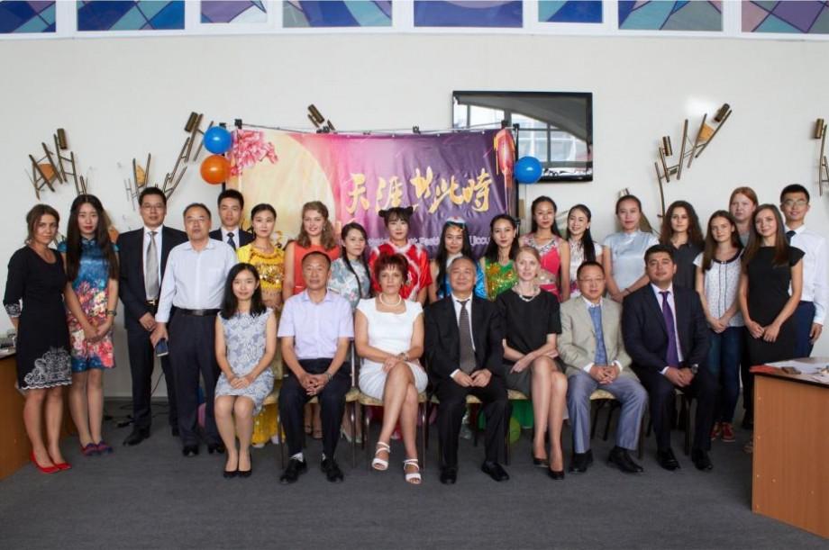 Elevii, studenții și adulții din Cahul au posibilitatea să studieze gratuit limba chineză. Unde și cum vă puteți înregistra