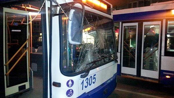 Un bărbat și-a pierdut viața după ce a fost accidentat de un troleibuz în Capitală