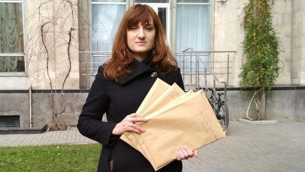(doc) Li s-au cerut bani sau au fost umilite și desconsiderate. Un grup de femei a lansat o petiție în care cer reformarea sistemului medical perinatal