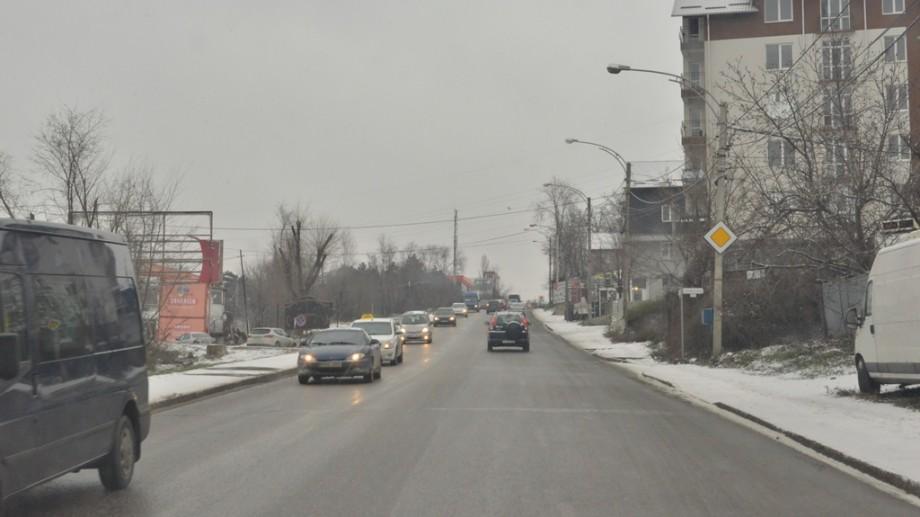 (foto) 210 tone de material antiderapant pe străzi. Care este situația în Chișinău, în urma condițiilor meteo