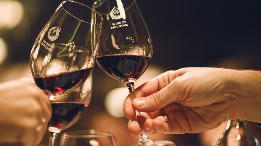 """(infografic) Fii Wine Friendly. Descoperă Vinul Moldovei din struguri de soiuri autohtone în cadrul campaniei """"Armonia Gusturilor"""""""