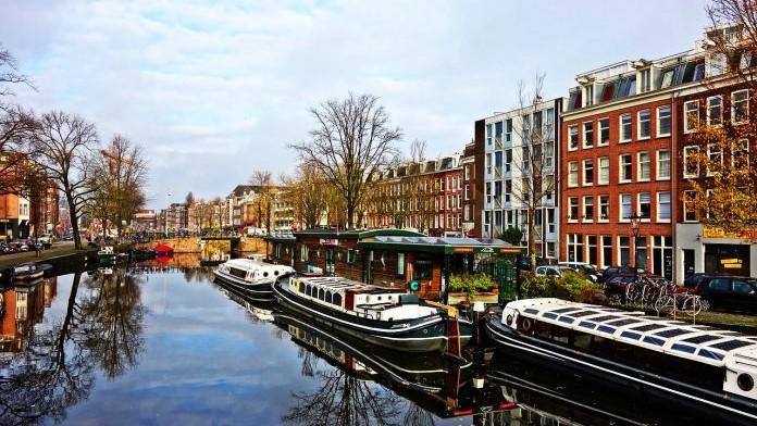 City break Amsterdam. Prin ce metodă și-au propus autoritățile locale să reducă turismul