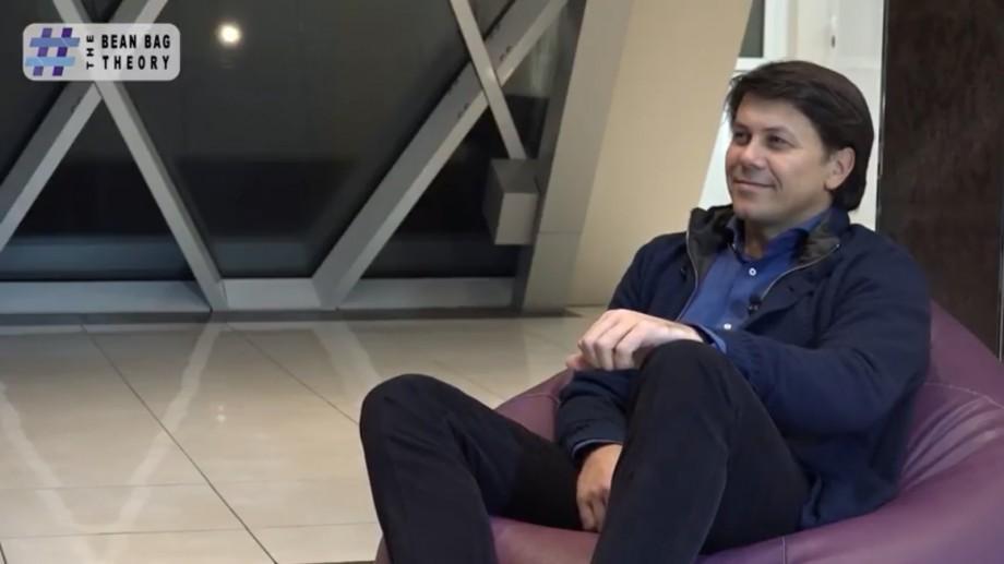 """(video) The Bean Bag Theory. Oleg Efrim: """"Hainele costă. Nu sunt farmece sau fițe, este important cum arăți atunci când vinzi un serviciu"""""""