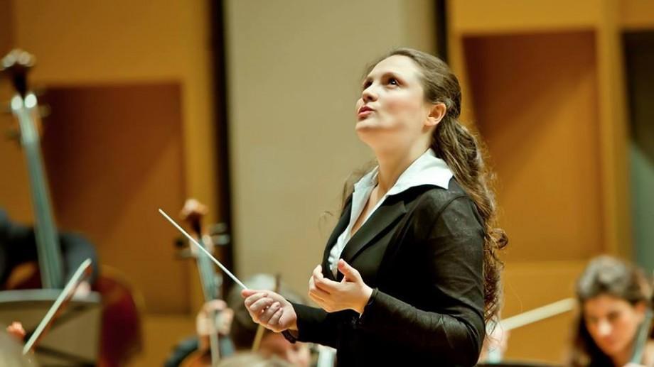 """(foto) Cartea de Aur. Silvia Țabor, moldoveanca care a fondat o orchestră în Canada: """"Nu ești dirijor dacă nu ai cu cine dirija"""""""