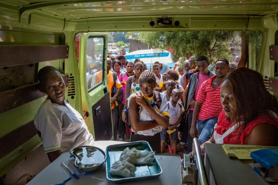 44-best-vaccines-improvise-clinic-truck-drc.adapt_.1190.1