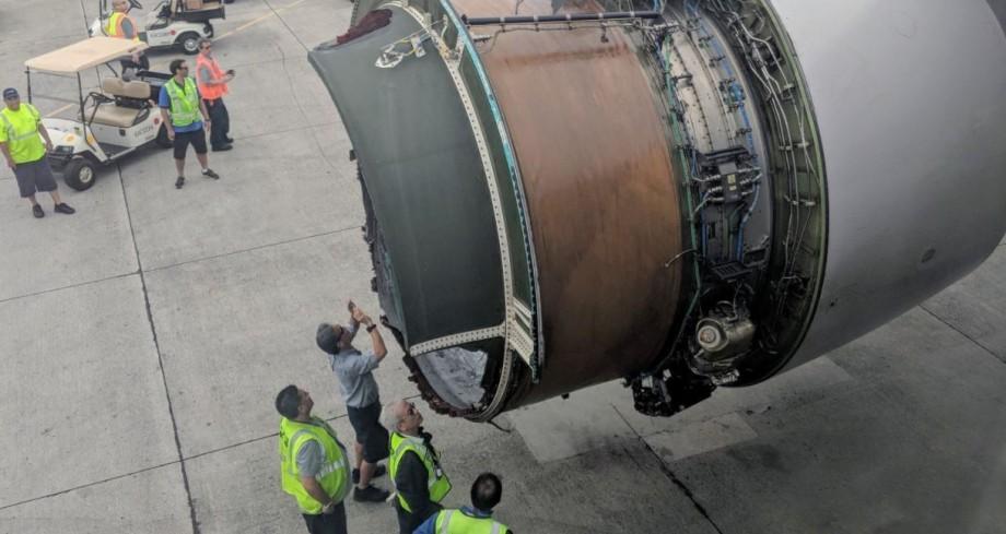 (video) Motorul unui avion ce zbura peste Oceanul Pacific s-a dezintegrat în zbor