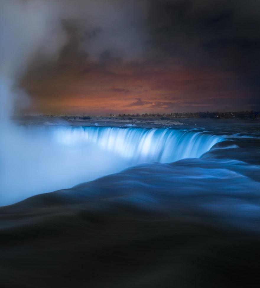 Icy-Niagara-Falls-looks-like-a-5a79140622269__880