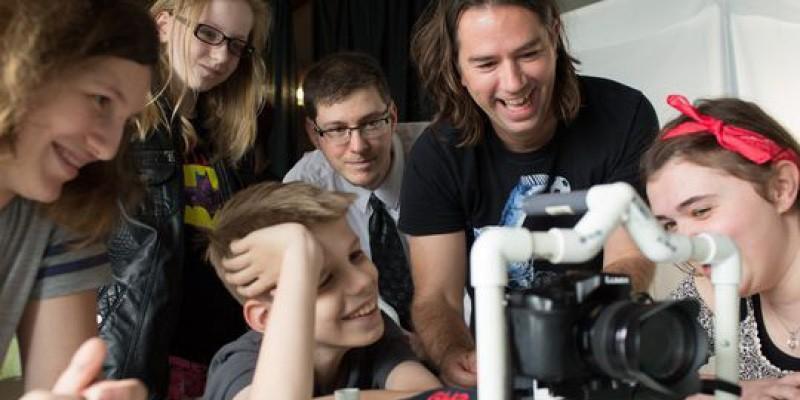 """Adolescenții pasionați de crearea filmelor pot participa la Festivalul Internațional """"Super"""". Cum vă înscrieți la concurs"""